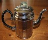 Oude vintage brocante theepot, zilverkleurig, hoekig model_