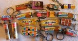 Oude brocante sleutelhangers snoep koekjes_