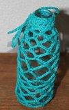 Brocante glazen flesje aquablauw haakwerk_