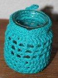 Brocante glazen potje/vaasje aquablauw haakwerk_