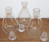 Glazen karafje met plat geslepen dop/stopje_