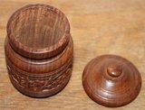 Oud rond houten opbergpotje met deksel, houtsnijwerk_