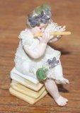 Beeldje brocante bloemenmeisje met fluit_
