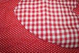 Baby boxkleed rood witte stippen en ruitjes met hartje_