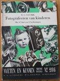 Oud boekje Weten en kunnen, Fotografeeren van kinderen, 1938_