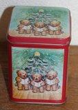 Brocante blikje met zingende beertjes bij kerstboom_