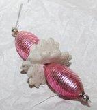 Antieke glazen Gablonzer kerstbal, hanger roze & bloemen_