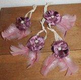 Decoratieve stoffen bloem paars fluweel, veren & kant_