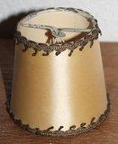 Oude brocante beige lampenkapje satijn, goudbrokaat, klein_
