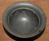 Oude vintage brocante tinnen schaaltje op 3 voetjes_