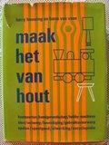 Vintage Dutch hobby book Maak het van hout (Make it from wood)_