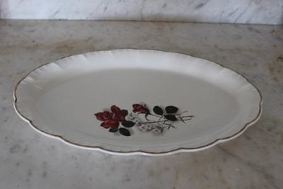 Oude Franse brocante dekschaal, ovaal met roos