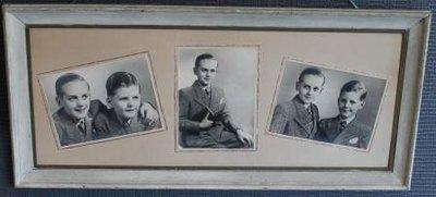 Grote oude lijst met 3 zwart wit portretfoto's