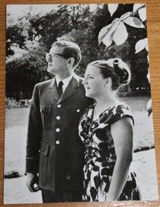 Oude zwart wit fotokaart Mr Pieter &  HKH Margriet
