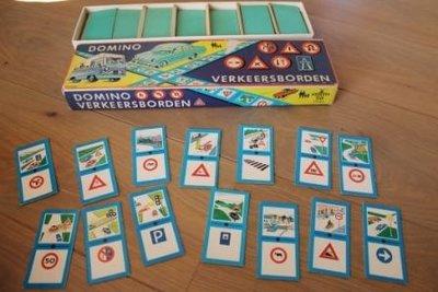 Oud spel Verkeersborden domino uit 1968