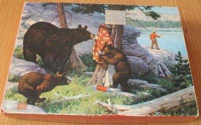 Oude houten puzzel 3 beren en visser in 't bos