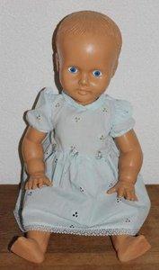Grote oude brocante babypop, blauwe ogen