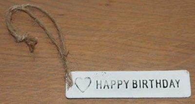 Label wit metaal Happy Birthday en hartje