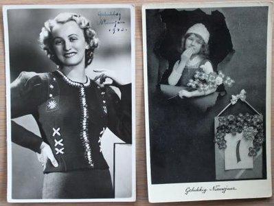Oude brocante kerstkaarten zwart wit foto dame 2 st.