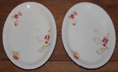 2 Oude ovale brocante serveerschaaltjes bloemetjes