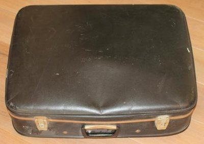 Grote oude harde zwarte brocante koffer