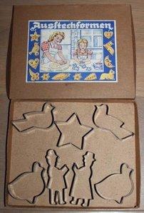 Oude brocante bakvormpjes, uitsteekvormen speelgoed
