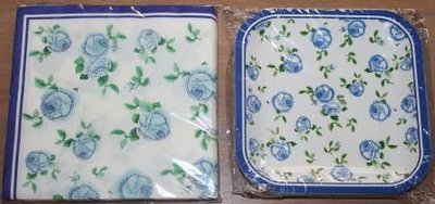 Brocante kartonnen bordjes + servetten blauwe rozen