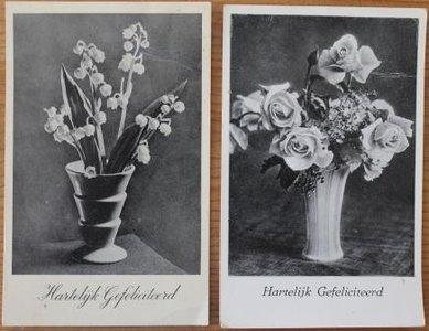 2 Oude brocante felicitatiekaarten zwart wit bloemenvaas