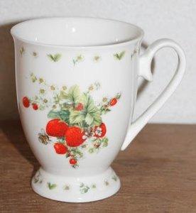 Botanische beker, mok bijtjes op aardbeien Helga Mârtaré