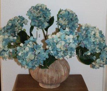 Grote botanische decoratieve blauwe hortensia takken, kunst