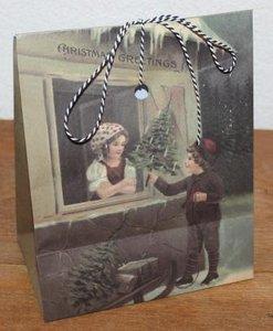 Brocante cadeautasje, gift bag vintage kindjes met kerstboom