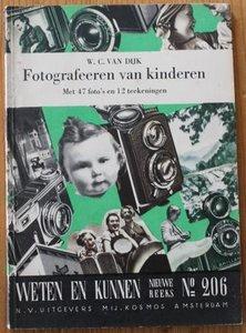 Oud boekje Weten en kunnen, Fotografeeren van kinderen, 1938