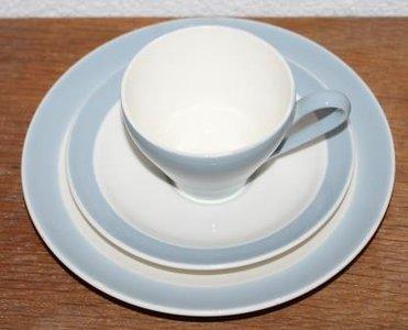 Oude Regout Sphinx ontbijtset; pastelblauwe kop & schotel & bordje