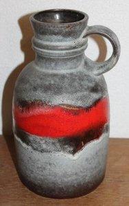 Grote oude mat grijze rode retro brocante lava bloemenvaas