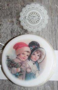 Stuk ronde witte zeep vintage kerstkindjes, jasmijn geur