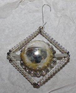 Antieke glazen Gablonzer kerstbal, hanger ruit zilver/geel