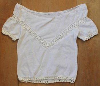 Vintage witte dames shirtje opengewerkte gehaakte randen