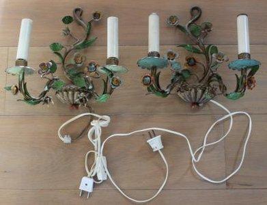 Set oude Franse brocante 2-arms metalen wandlampjes bloemen