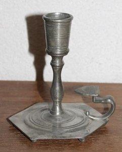 Oude vintage brocante tinnen kaarsenkandelaar, blakertje 98%