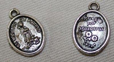 Bedeltje, medaillon beschermheilige Martin de Porres, zilverkl metaal